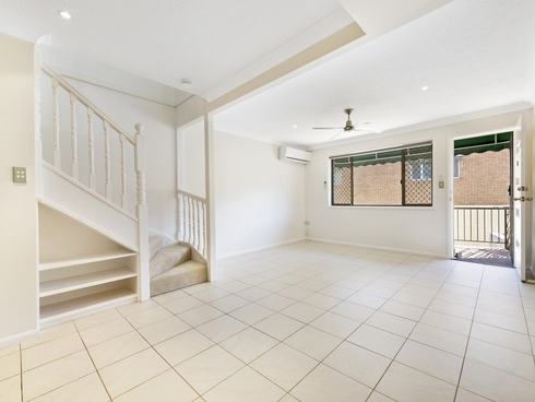 4/16 Lather Street Southport, QLD 4215