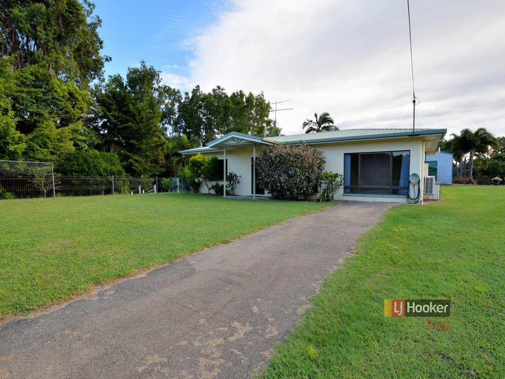 23 Casuarina Street Tully Heads, QLD 4854