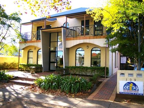 Suite 5/109 Herries Street East Toowoomba, QLD 4350