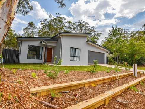 83 Kings Road Russell Island, QLD 4184