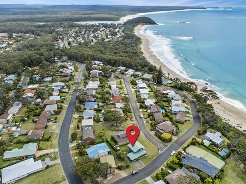 21 Booth Avenue Narrawallee, NSW 2539