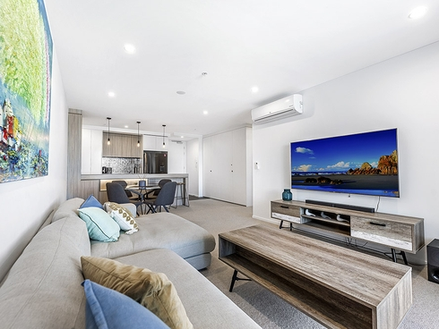 50/31 Queensland Avenue Broadbeach, QLD 4218