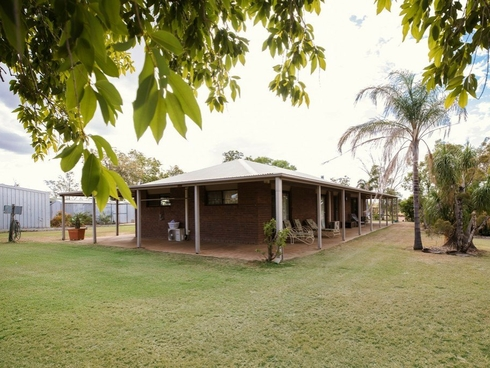 77 Melrose Drive Clermont, QLD 4721