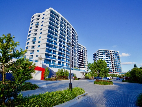 4203/5 Harbour Side Court Biggera Waters, QLD 4216