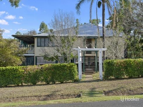 24 Elizabeth Street Esk, QLD 4312
