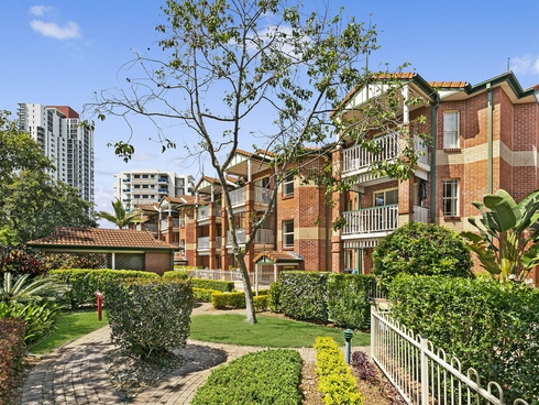 27/53 Bauer Street Southport, QLD 4215