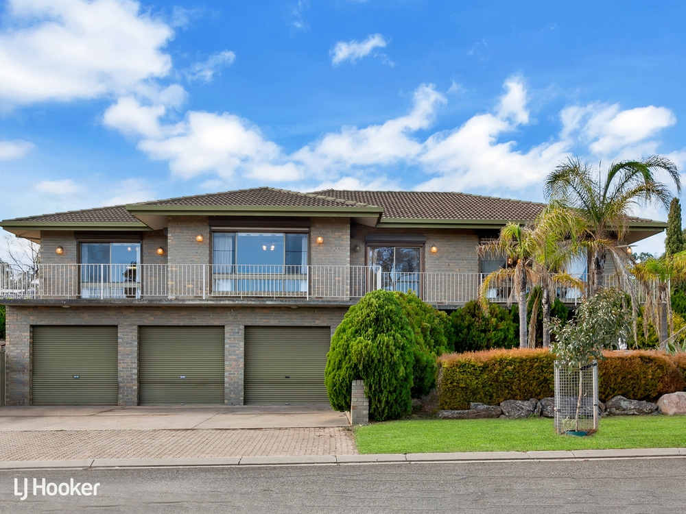10 Seville Avenue Gulfview Heights, SA 5096