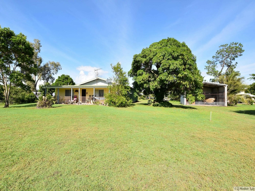 8 Grevillea Street Tully Heads, QLD 4854