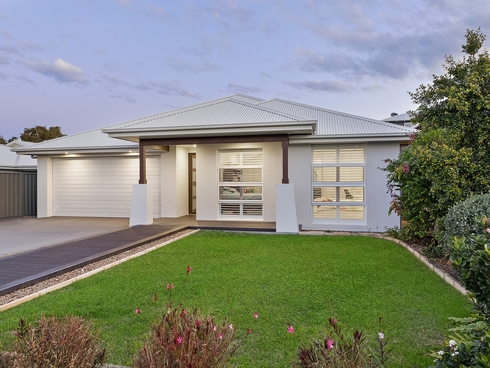 3 Moorah Avenue Blue Bay, NSW 2261