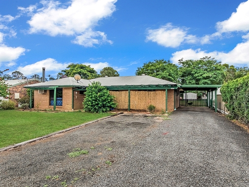 43 Fassifern Street Peak Crossing, QLD 4306