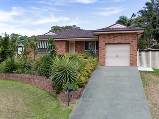 8 Era Close Marmong Point , NSW, 2284