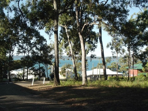 9 Ray Street Macleay Island, QLD 4184