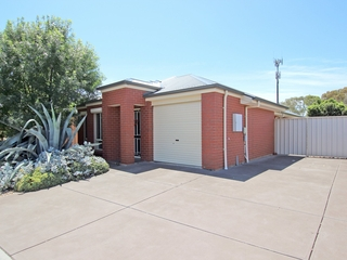 15 Garden Court Seaford , SA, 5169