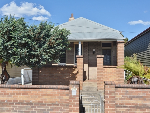37 Calero Street Lithgow, NSW 2790