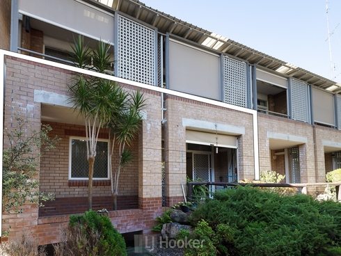 102/3 Violet Town Road Mount Hutton, NSW 2290