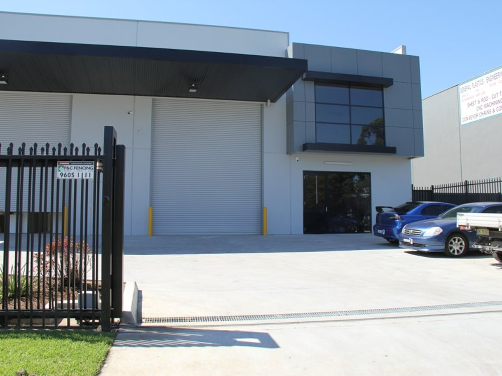 Unit 2/19 Devon Road Ingleburn, NSW 2565