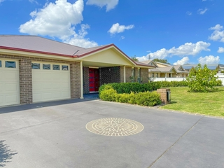 9 Settlers Place Young , NSW, 2594