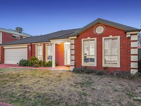 13 Brampton Close Point Cook, VIC 3030