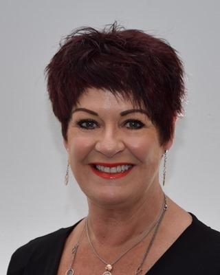 Elaine Schuck profile image