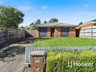 66 Raisell Road Cranbourne West, VIC 3977