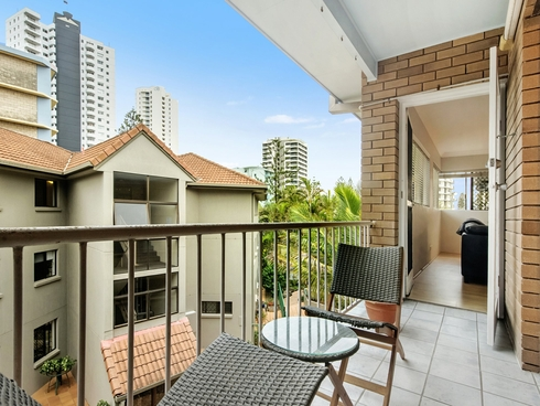 14/11 Old Burleigh Road Surfers Paradise, QLD 4217