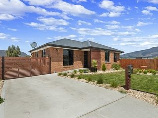 13 Barrob Street Old Beach , TAS, 7017