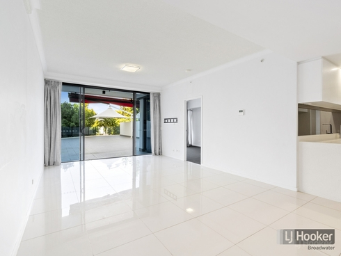 2107/5 Harbourside Court Biggera Waters, QLD 4216