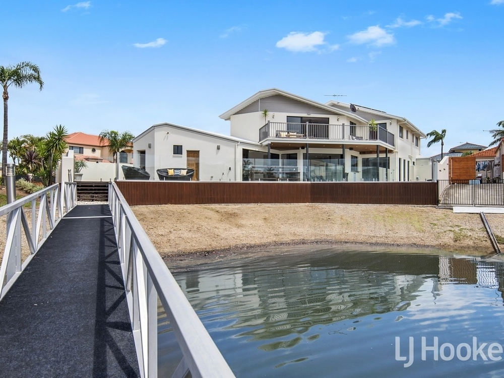 14 Constance Court Newport, QLD 4020