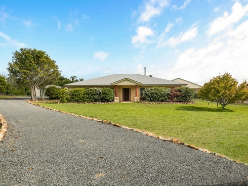 4 Melric Court Geham, QLD 4352
