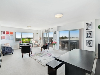 Unit 501/215-217 Pacific Highway Charlestown, NSW 2290