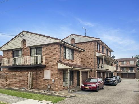 3/4 Heaslip Street Coniston, NSW 2500