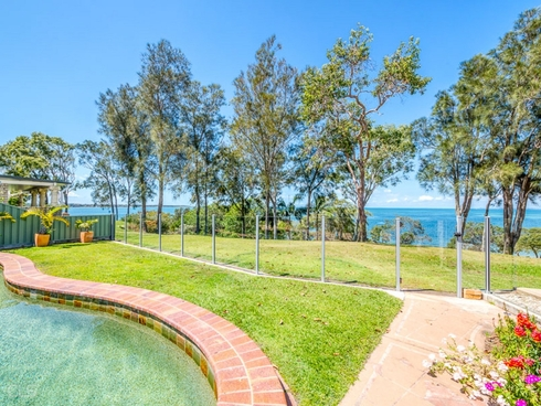 14 Howard Court Sandstone Point, QLD 4511