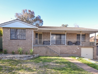 9 Hardy Avenue Young, NSW 2594