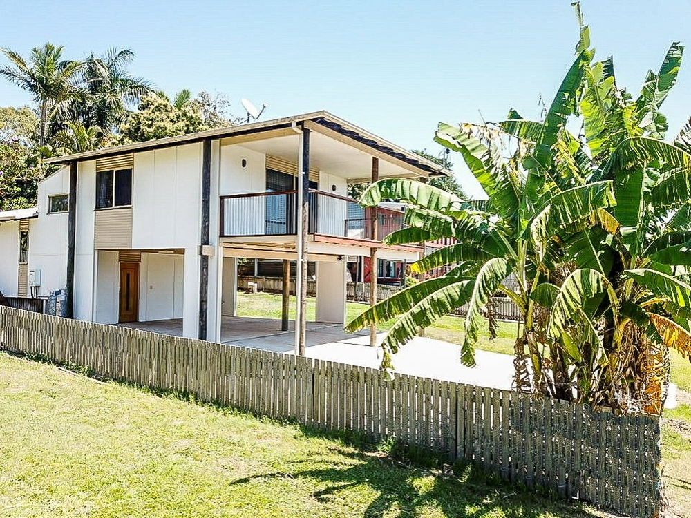 4 Panorama Ave Russell Island, QLD 4184