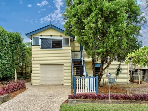 64 Sixth Avenue Kedron, QLD 4031