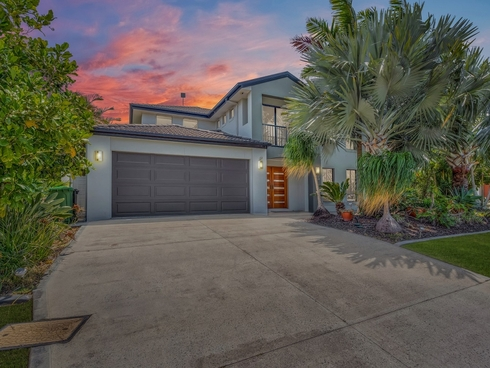 43 Calmwater Crescent Helensvale, QLD 4212