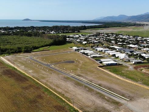 77 Barrbal Drive Cooya Beach, QLD 4873