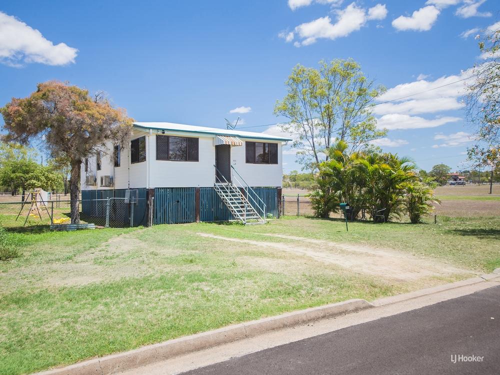 394 Murray Street Depot Hill, QLD 4700