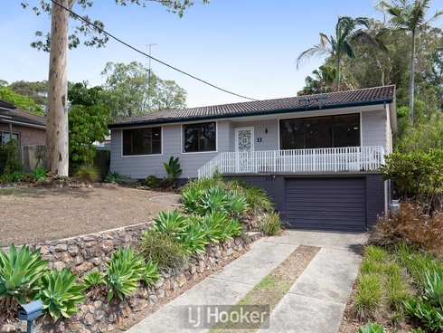 3 Roy Avenue Bolton Point, NSW 2283