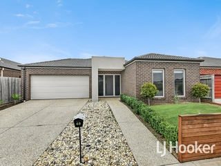 48 Heather Grove Cranbourne East, VIC 3977