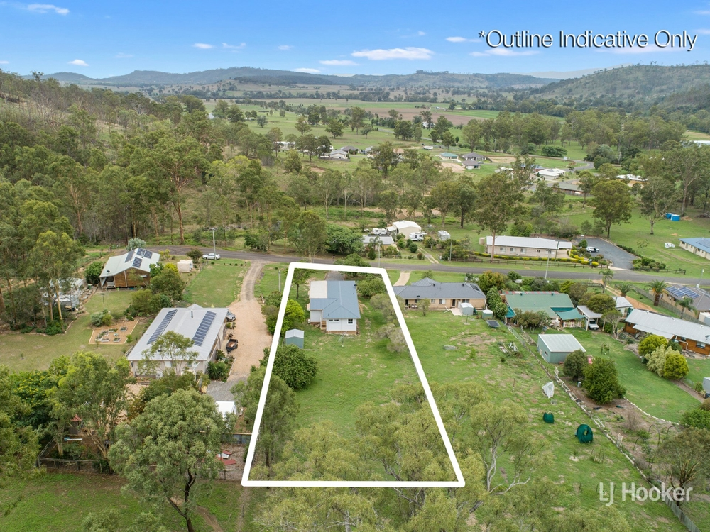 42 Barbour Street Esk, QLD 4312