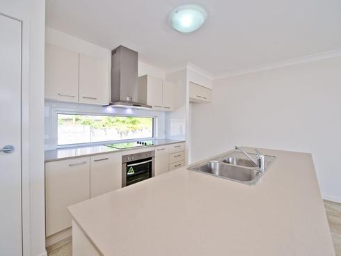 5 Greengard Place Kirkwood, QLD 4680